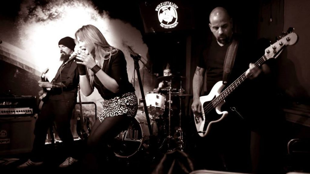 Squeaker Band Live Photo